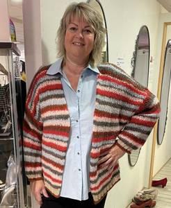 Bilde av strikket jakke fra zoey 211-0766